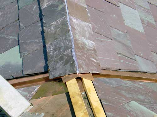 Slate Roof Central - Installing a ridge/hip juncture.